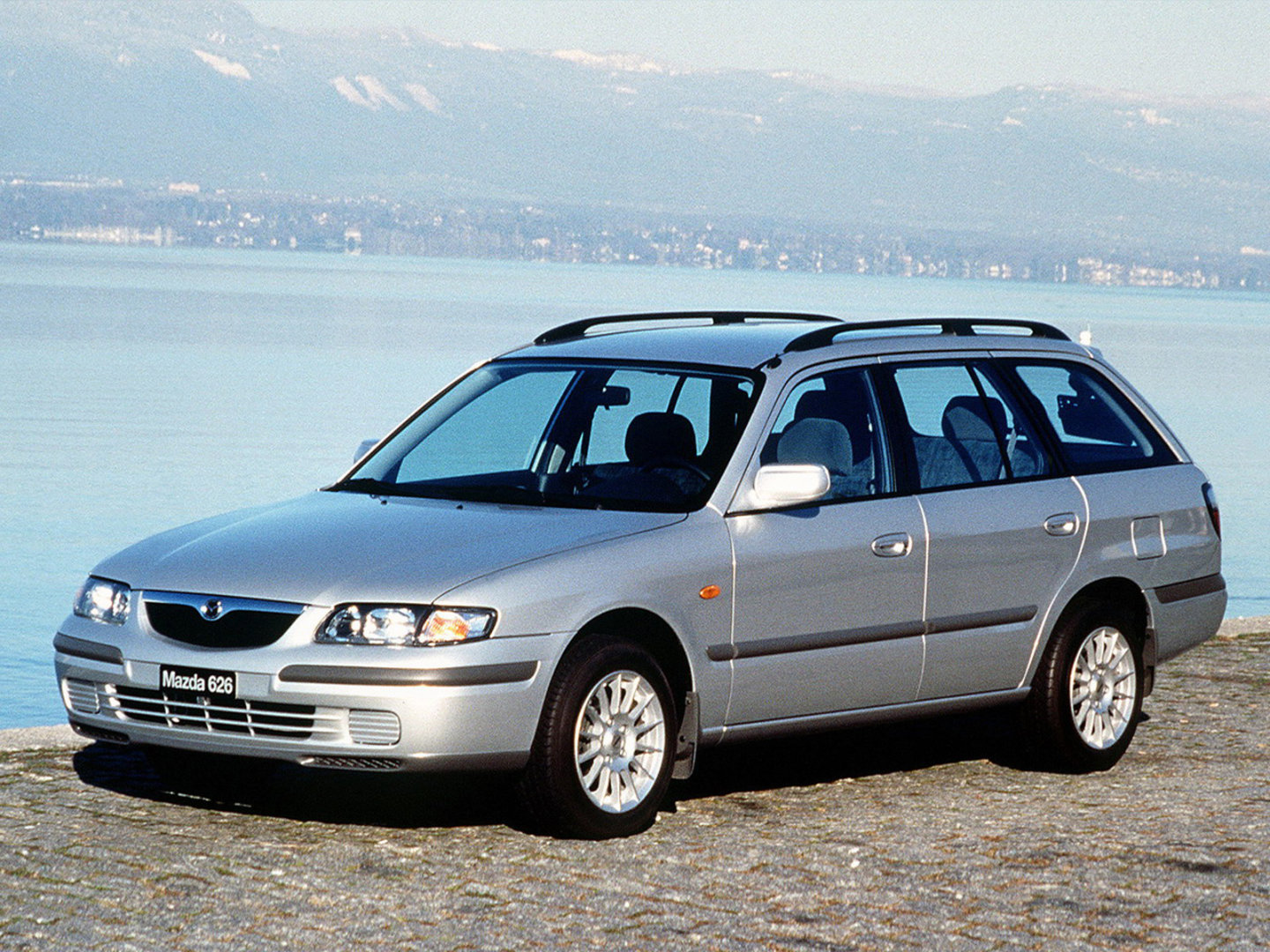 Mazda_626_wagon_1999_original